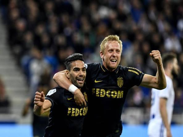 Champions League, Monaco-Juventus 0-2: doppietta di Higuain, espugnato il Louis II
